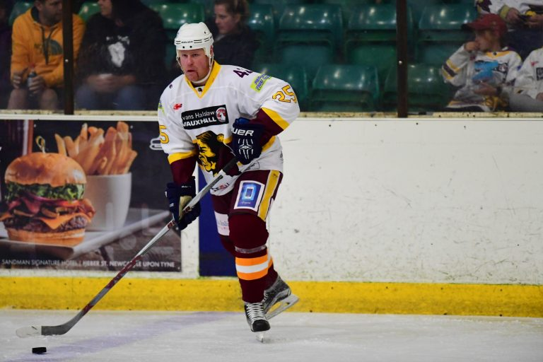 Longstaff and Holland remain at Hillheads