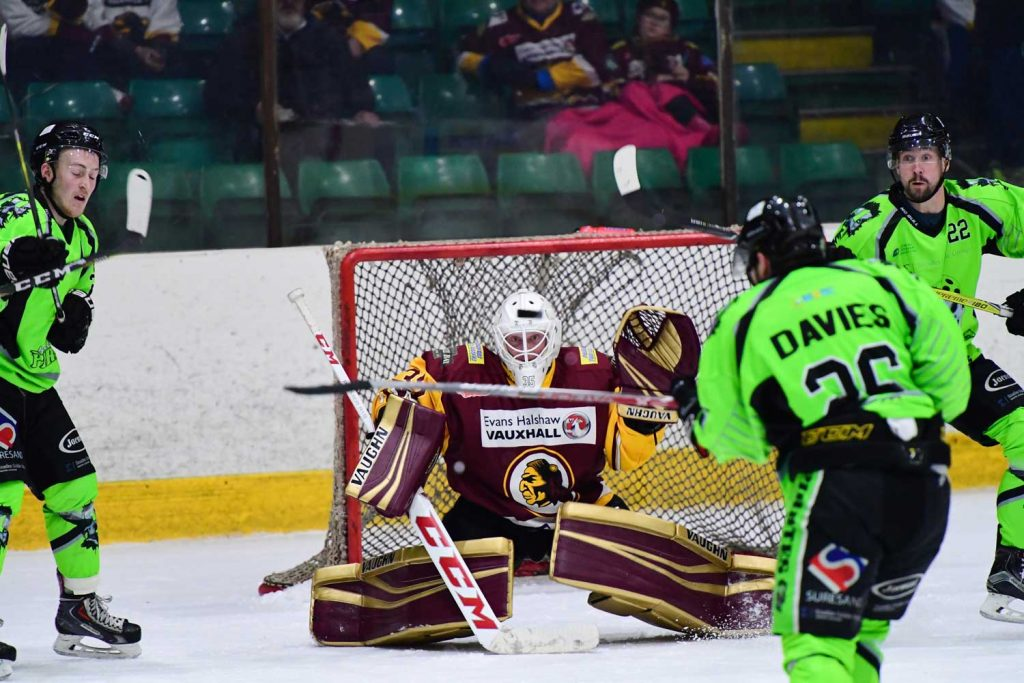 Warriors edged out in thriller